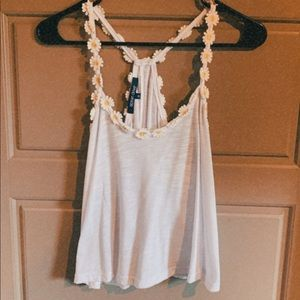 White tank top with daisy's